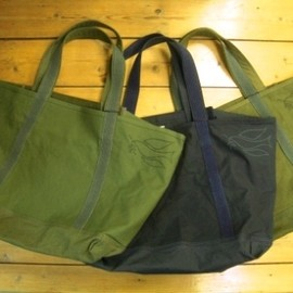 ARTS&CRAFTS - BASIC TOTE/RE:BORN