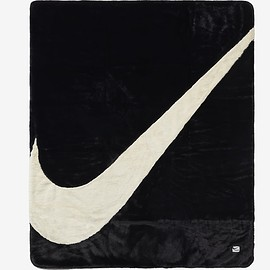 NIKE - Plush Faux Fur Blanket - Black/White