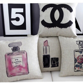 CHANEL - cushion