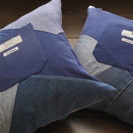 HOLLYWOOD RANCH MARKET - BLUE PATCH CUSHION
