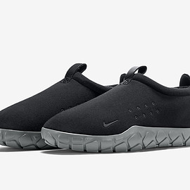 NIKE, NikeLab - Air Moc TF SP - Black/Cool Grey