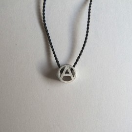 "PHINGERIN - Tiny Circle A Necklace ""Silver"""