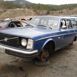 VOLVO - Crashed 240 ESTATE WAGON 廃車 ボルボ