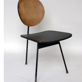 Stephan Siwinksi - three-legged side chair