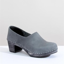 Creatures of Comfort - Sandgrens Bridget Clogs- Dark Sky
