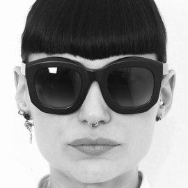 Kuboraum Masks - Kuboraum Masks - chunky shades and glasses designed in Berlin