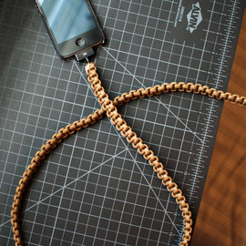 cdadamo - Coyote Brown iPhone Paracord Cable