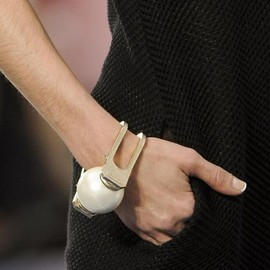CHANEL - S/S 2013 Big Pearl Cuff