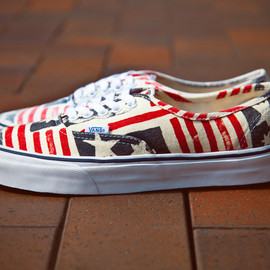 "VANS - Vans California Van Doren Series  Authentic CA ""Retro Flag"""