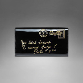 Yves Saint Laurent - YSL Y-Mail Clutch in Black Patent Leather