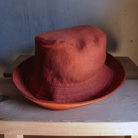 "PHINGERIN - PORK PIE HAT LINEN ""RED"""