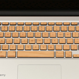 LAZERWOOD INDUSTRIES - Lazerwood Keys for MacBook Pro - Cherry