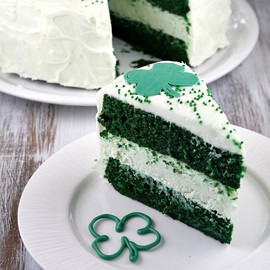 Recipe Girl - Green Velvet Cheesecake Cake