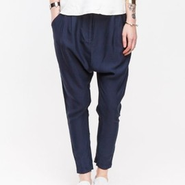 navy pants/style