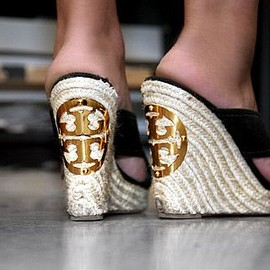 TORY BURCH - wedge sole sandal