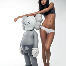 Kaws - Sculpture