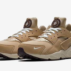 NIKE - Air Huarache Run Premium - Desert/Burgundy Ash/Royal Tint/Sail