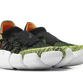 NIKE - Air Footscape Flyknit DM - Black/Black/Volt/Bright Mango