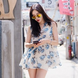 LUXE ASIAN - Luxe Asian Korean Women Fashion Blue Roses Blue Blouse