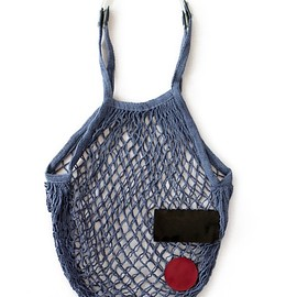 TOGA ODDS&ENDS - Patch Mesh Bag (navy)
