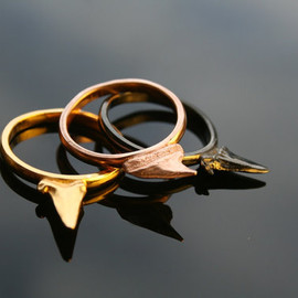 BeauandArrowuk - Sharks teeth stack rings
