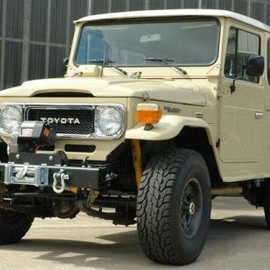 TOYOTA - Land Cruiser HJ47 Troopie