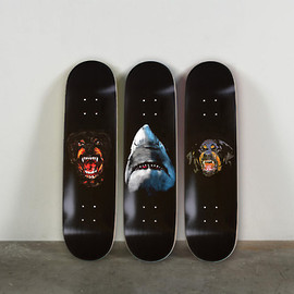 Givenchy - skate deck