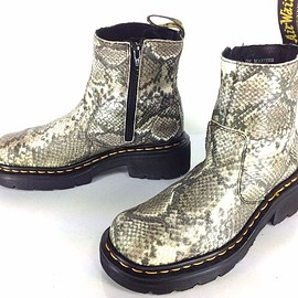 Dr.Martens - 9490 England Gray Snakeskin Print Leather Boots