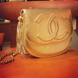 CHANEL - gold bag.