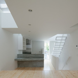 Ido Kenji Architectural Studio - House in Tamatsu by Ido Kenji Architectural Studio