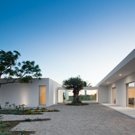 Vitor Vilhena Architects - House in Tavira, Portugal