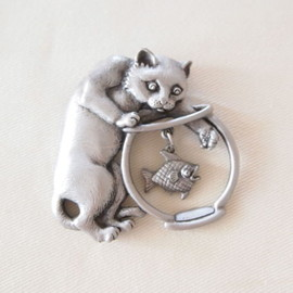 Jonette Jewelry company - JJ ヴィンテージブローチ  猫と金魚silver