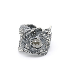 Chin Teo - Mockingjay Ring - Grey Diamonds
