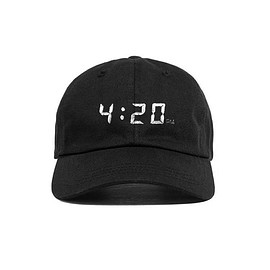 MUN - SNAPCHAT 4:20PM HAT BLACK