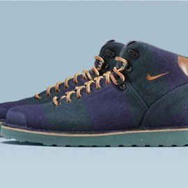 Nike - FOX BROTHERS × NIKE AIR MAGMA NAVY