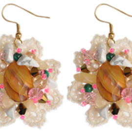 Emma Cassi -  Quartz flowers earrings
