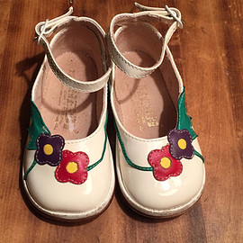 Vintage 1980s Heidi White Patent Leather Shoes