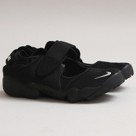 Nike - Air Rift 'GENEALOGY OF FREE' 10TH ANNIVERSARY BLACK PACK