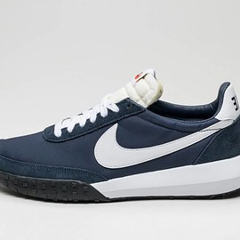 NIKE - Roshe Waffle Racer NM - Obsidian / White/Softy Orange/Black