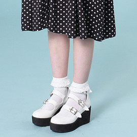 the whitepepper - Buckle Strap Wedge White