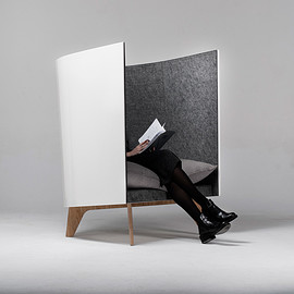 Svyatoslav Zbroy - V1 lounge chair