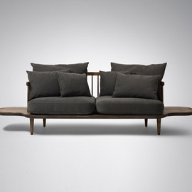 &TRADITION - Fly Sofa with side tables SC3