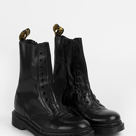 VETEMENTS, Dr.Martens - VETEMENTS x Dr.Martens Collaborate Boots
