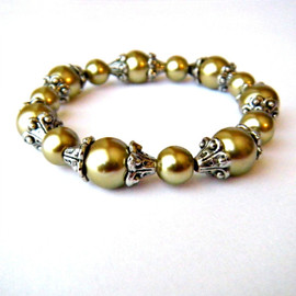 Luulla - Gold Pearl Beaded Stretch Bracelet
