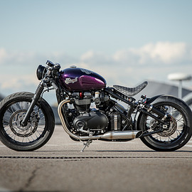 Down & Out Cafe Racers - Triumph Bobber 'Hold On Go Fast'