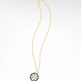 TORY BURCH - LOGO PENDANT NECKLAC |ORY NAVY