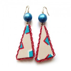 YAGA - Triangle Beige×Red  Earrings イヤリング/ピアス