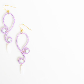 Ostara - Pale Purple Curvy Earrings/Milky White Czech Glass