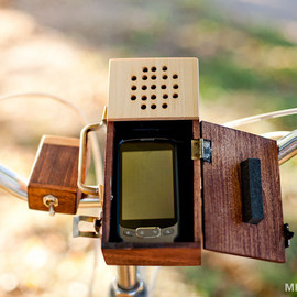 MrLentz - Wooden Detachable Bicycle Stereo for your Smartphone