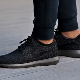 Nike - Nike Flyknit Roshe Run midnight
